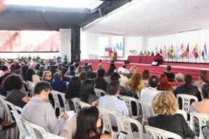Académico participa en Congreso ALAS en Perú